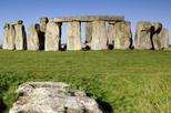 Save 10%! Small-Group Day Trip to Stonehenge, Bath and Windsor from London
