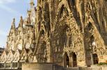 Save 10%! Sagrada Familia and Park Guell Skip the Line, La Pedrera and Casa Batllo Highlights